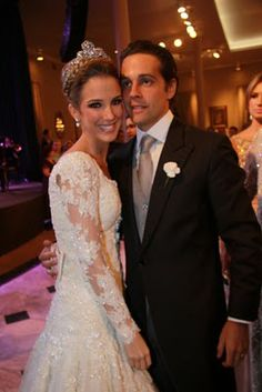 Tamara Gontijo e José de Castro Araújo Rudge Filho http://jubley.blogspot.com.br/2010/09/casamento-maravilhoso-em-brasilia.html