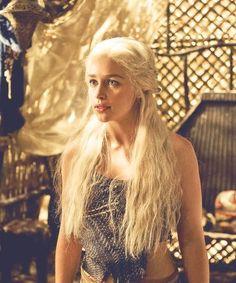 Game of Thrones - how beautiful is she?? i love her! she looks like a mermaid