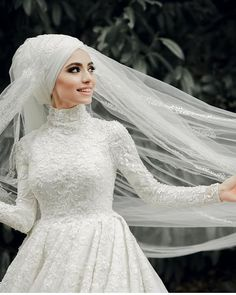 Our bride is very beautiful 😍 hairdresser is very successful NurHan Türkçü. Hijabi Wedding, Muslim Wedding Dresses, Muslim Brides, Bridal Dresses, Bridesmaid Dresses, 20s Wedding, Dresses Elegant, Most Beautiful Dresses, Elegant Wedding Dress