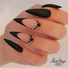 Ongles Bling Bling, Bling Nails, Swag Nails, Grunge Nails, Stylish Nails, Trendy Nails, Cute Nails, Cute Black Nails, Black Stiletto Nails