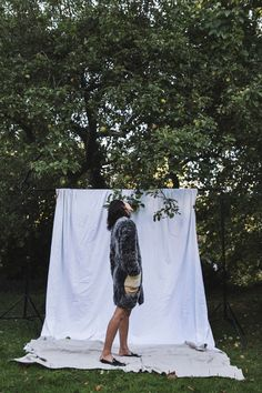 Park & Cube / Fall in line // Fashion Photography Poses, Clothing Photography, Fashion Photography Inspiration, Fashion Poses, Photoshoot Inspiration, Creative Photography, Portrait Photography, Net Fashion, Fashion Dresses