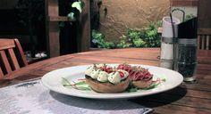 Disfruta de nuestras Hamburguesas y Sanduches sólo en Daniel Dine & Wine http://daniel.com.co/menus/fuertes  #SuTerceraCasa #Bogotá #Gastronomía