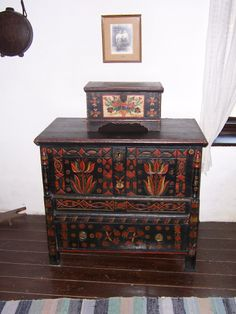 painted furniture, Hungarian Painted Furniture, Diy Furniture, Norwegian Rosemaling, Moroccan Furniture, Hungarian Embroidery, Russian Folk, European House, Painted Boxes, My Heritage