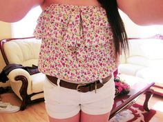 i love flower tank tops! Tumblr Fashion, Teen Fashion, Fashion Outfits, Fashion Shorts, Fashion Styles, Fashion Clothes, Fall Fashion, Cute Teen Outfits, Summer Outfits