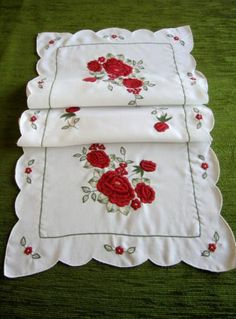 PRETTY TABLE RUNNER EMBROIDERED WITH RED ROSES | eBay  put blue cloth underneath it'd be awesome! 8.00