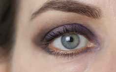 eye make-up with Hauschka 07 lilac, bareMinerals Panorama + Perspective and MAC Woodwinked #grey #brown #purple #bronze