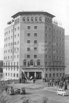EDIFICIO CASA SINDICAL: Zaragoza 1947.- El delegado nacional de Sindicatos, Fermín Sanz Orrio inaugura el nuevo edificio de la Casa Sindical. EFE lafototeca.com Image : efespseven072385