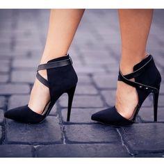 Shoes from the latest post. Check out the full outfit on www.nanysklozet.com!! ------------------------------- Los tacones que pueden ver en el último look en el blog! #nanysklozet - @Daniela Maselli Ramirez- #webstagram