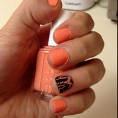 Surprise crackle nail with Essie Tart Deco.