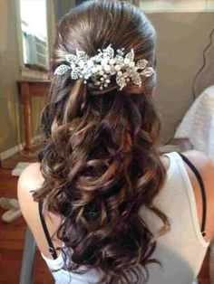We love how this ornate hair piece helps create a simple and yet beautifully put together wedding look! We love how this ornate hair piece helps create a simple and yet beautifully put together wedding look! Wedding Hair Brunette, Wedding Hair Half, Wedding Hairstyles Half Up Half Down, Wedding Hairstyles With Veil, Wedding Hair And Makeup, Bride Hairstyles, Down Hairstyles, Bridesmaid Hairstyles, Brunette Hairstyles
