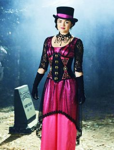 Lucy for the PLL Halloween Special - Grave New World