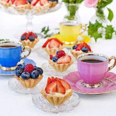 Servera små söta bakelser till fikat! Swedish Recipes, Cocoa, Tart, Panna Cotta, Salmon, Raspberry, Ethnic Recipes, Desserts, Heaven