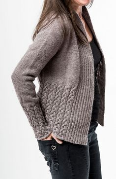 Gem Oceaan had this lovely idea to combine my two patterns we can be heroes and Morlaix Cardi to a very lovely cardi.