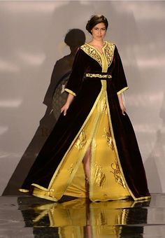 Gold underdress with chocolate brown overdress, belted. Color combo lust!