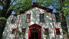 This Restaurant In Ohio Used To Be A Schoolhouse And You'll Want To Visit