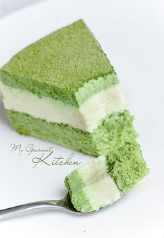 Matcha & white chocolate mousse