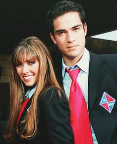 Mia y miguel Best Tv Couples, Best Couple, Series Movies, Tv Series, Trauma, Movies Worth Watching, Poncho, Kawaii Anime Girl, Christina Aguilera