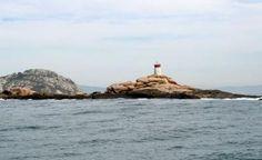 Faro del Islote Boeiro. Parque Nacional Islas Atlánticas / Galicia / Spain