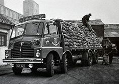The World's Best Photos of thornycroft and trusty Vintage Trucks, Old Trucks, Pickup Trucks, Classic Trucks, Classic Cars, Dundee City, Ashok Leyland, Old Lorries, Train Car