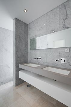 [Bathroom] : Amazing Modern Minimalis Bathroom Design Decoration Ideas With Wall Mounted Vanity Modern Minimalist Bathroom Design With Marble Wall And Flooring Tile With White Colors