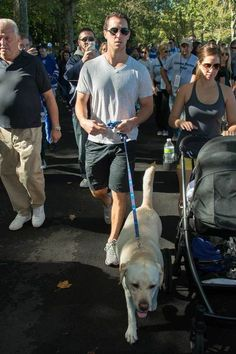 Ryan Callahan at the New York Rangers dog walk. Welcome to the Tampa Bay Lightning. Rangers Hockey, Hockey Teams, Hockey Players, Ryan Callahan, Pictures Of Lightning, Tampa Bay Lightning, Love Your Pet, New York Rangers, Attractive Men