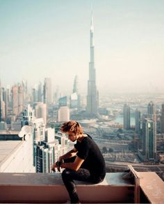 Hanging out high above the city in Dubai back in december. Busy working on videos this week 📽 excited to share some new stuff with you guys… Travel Pictures, Travel Photos, Sam Kolder, Dubai City, Men Photography, Photo Upload, Sea Level, Hanging Out, New York Skyline