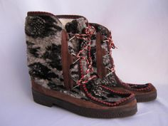 Frčely v roce 1973 Retro 2, Retro Style, Childhood Memories, Old School, Retro Fashion, Boots, Czech Republic, Red, Vintage