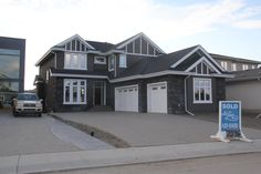 May Common by Ace Lange Homes - MetExterior Edmonton Stucco Contractor