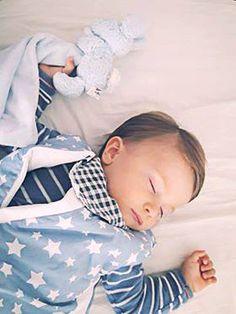 Dormi linistit ingeras mic <3  #sacdedormit, #saculetdedormitcupicioare, #saculetifermecati, #somn, #copii, #bebe Bebe