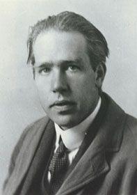 Un experto es una persona que ha cometido todos los errores que se pueden cometer en un determinado campo. Niels Bohr