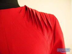 shoulder detail, draping