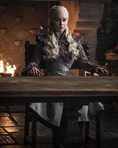 NEW pictures of Daenerys Targaryen from Season 8 of Game of Thrones! Bran Stark, Sansa Stark, Cersei Lannister, Daenerys Targaryen, Khaleesi, Isaac Hempstead Wright, Lena Headey, Emilia Clarke, Winter Is Here