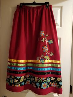 Ribbon skirt by Sarai Shirt Skirt, Dress Skirt, Dress Shoes, Shoes Heels, Native American Clothing, Native American Fashion, Applique Skirt, Traditional Skirts, Jingle Dress