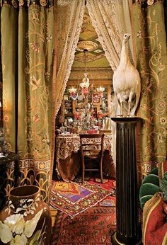 I see a dining room but I envision the greatest makeup/closet room EVAR!