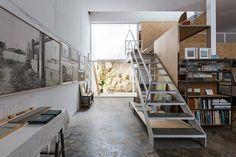 DTR studio architects have designed a single family house for a painter in Gaucín, Costa del Sol, Malaga, Spain. Art Studio Design, Loft Design, House Design, Loft Industrial, Industrial Interiors, Malaga, Painters Studio, Loft Stil, Loft Plan