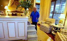 Paula Deen's bedroom-dog steps