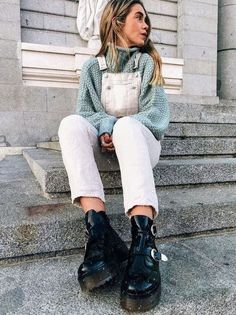 Are you a hipster? Or you love hipster style? If yes, this roundup will be useful for you: it's dedicated to hipster girls' outfits for winter. Mode Outfits, Winter Outfits, Casual Outfits, Fashion Outfits, Fashion Trends, Grunge Outfits, Hipster Girl Outfits, Hipster Girls, Moda Mormon