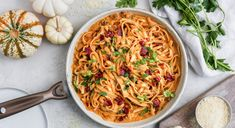 Recipe of the Day: Pumpkin & Bacon Pasta Save the recipe 👍 Mabon, Samhain, Jackie Kennedy, Pasta Sauce Recipes, Chicken Recipes, Jamaican Brown Stew Chicken, Baked Fried Chicken, Pumpkin Recipes, Fall Recipes