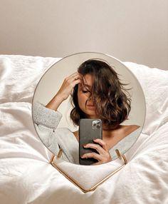 Self Portrait Photography, Photography Portfolio, Girl Photography, Creative Photography, Ideas For Instagram Photos, Insta Photo Ideas, Instagram Selfies, Solo Photo, Artsy Photos