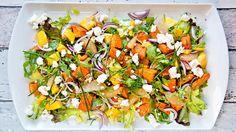 Salat med bakt søtpotet og mango