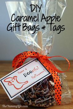 Easy DIY Gourmet Caramel Apple Gift Bags & Tags. www.theyummylife.com/Caramel_Apple_Gift_Bags