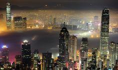 The dizzying cityscape of Hong Kong http://theatln.tc/1OXKPNs