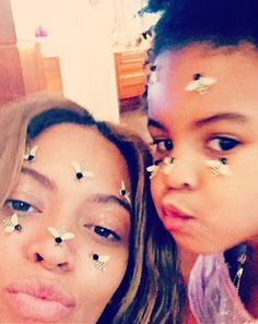 Beyonce and her daughter Blue Ivy pouted their lips (and wore bee stickers!) for an adorable Valentine's Day selfie on Saturday, Feb. 14