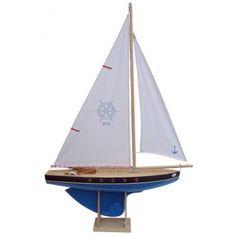 Voilier en bois navigable de 50 cm avec quille ronde