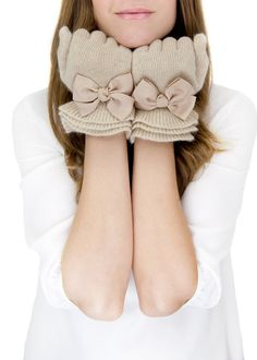 adorable bow gloves.