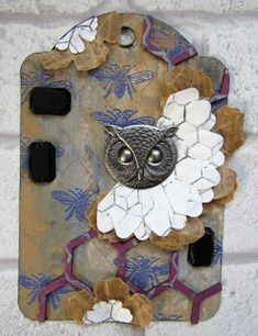 Owl tag for The Artistic Stamper using there Bee and Honeycomb stamps #theartisticstamper #tag #tags #create #birds #owls #stamping #painting #acrylic