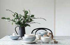 Varpunen + Arabia styling and photo Susanna Vento House Of The Rising Sun, Ceramic Tableware, Frankfurt, Interior Styling, Food Inspiration, Table Settings, Dining Table, Ceramics, Design