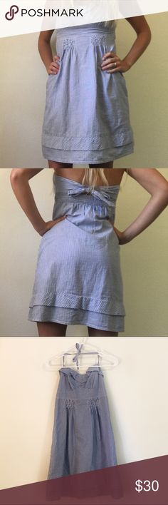 💗SALE💗 AMERICAN EAGLE OUTFITTERS striped dress Great summer dress that ties halter style and in the back! Has great support for the chest, which I usually have problems with when it come to halter tops. Size 2 - fits like a small. Great condition! American Eagle Outfitters Dresses Mini