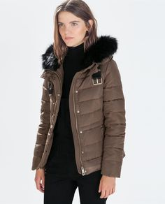 ZARA - WOMAN - QUILTED ANORAK WITH FUR HOODs size medium