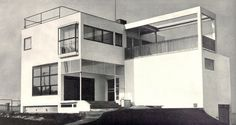 Architect's own villa, Evžen Linhart, Prague, Czechoslovakia, 1926 Beautiful Architecture, Architecture Details, Modern Architecture, International Style Architecture, Arch Building, Small Modern Home, Walter Gropius, Art Deco Buildings, Art Deco Home